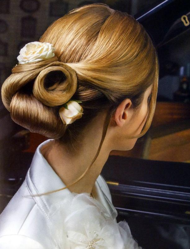 Photos avec des coiffures de soirГ©e et de mariage